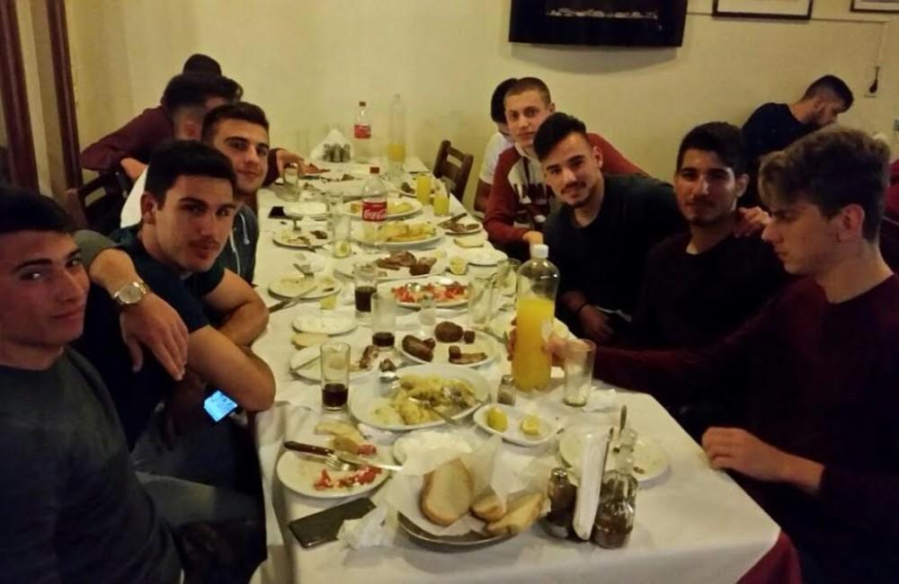 Χαμόγελα και... δείπνο για την ομάδα Νέων Εργοτέλη
