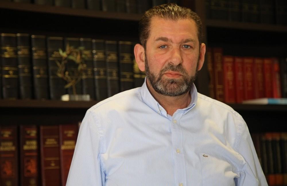 Ο Γιώργος Στειακάκης στον προεδρικό θώκο του Γ.Σ. Εργοτέλης